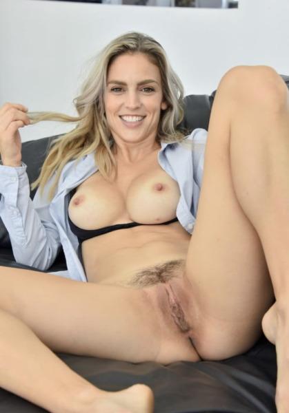 Hottest Woman in Porn - Ryan Ryans