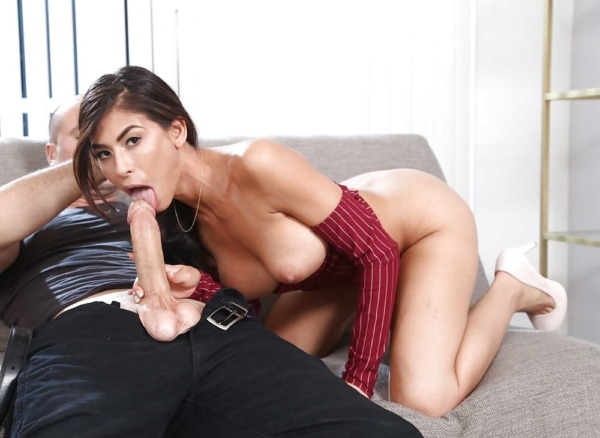 Sexy & Attractive Pornstar Heather Vahn